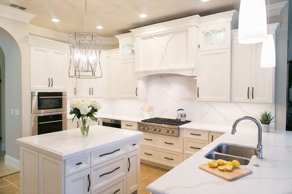 Solid Quartz Backsplash Kitchen Remodel