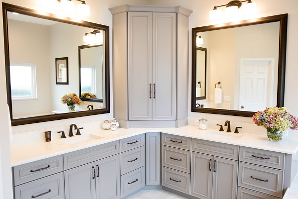 Master Bath With Large Vanity Tower ...