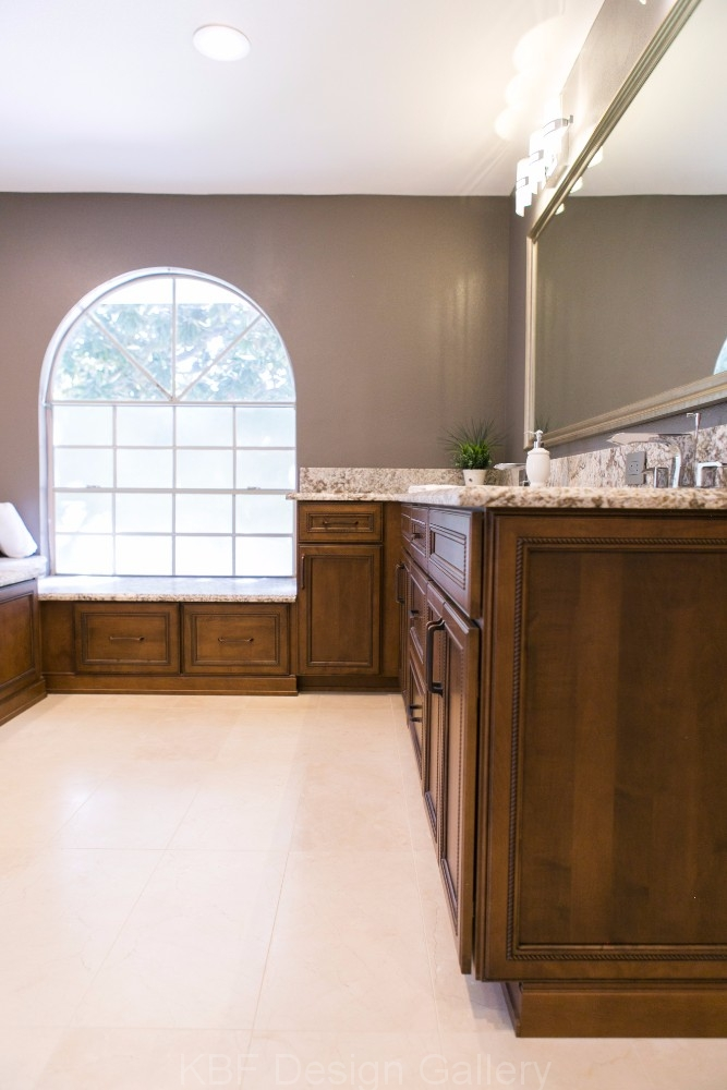 Spacious traditional master bath kbf design gallery for Blueprint photo gallery